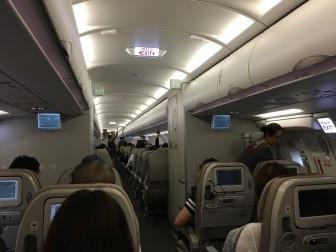 ソウルに向かうアシアナ航空の機内