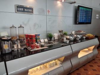 上海浦東国際空港第2ターミナルの69番VIPラウンジの無料ブッフェ