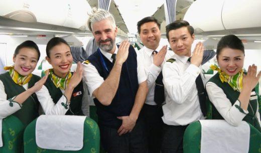 春秋航空8515便上海浦東発羽田行きのクルーの皆さん