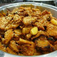 韓国の仁川国際空港のSKYHUBラウンジのブッフェの焼肉