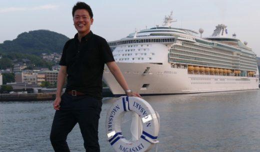 長崎港に寄港するマリナー・オブ・ザ・シーズといがモバ