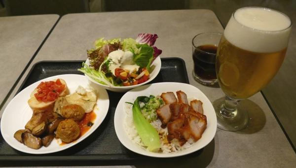 桃園空港第一ターミナルのプラザプレミアムラウンジで無料で食べられる食事の一式