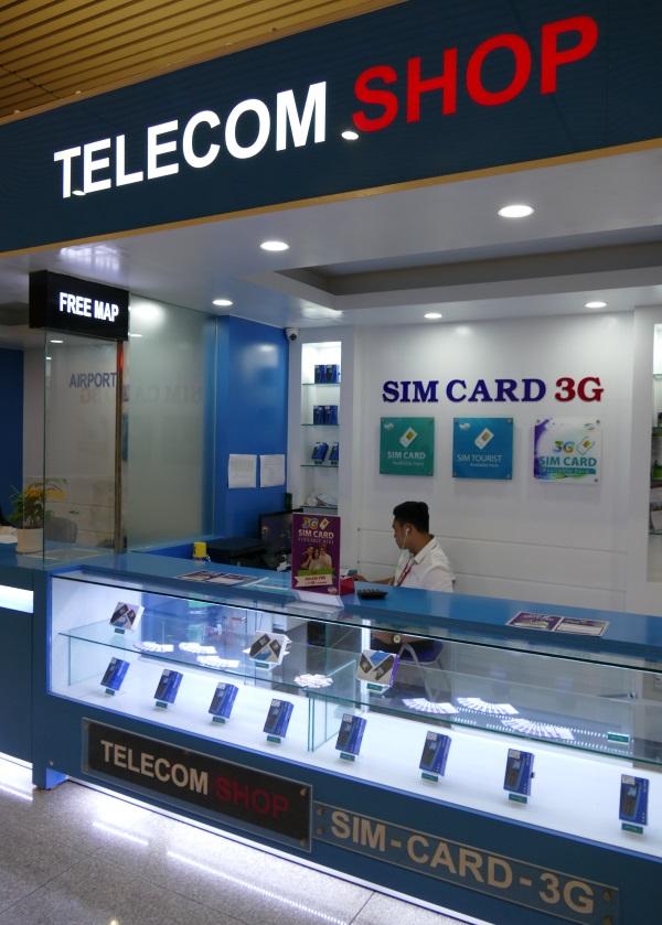 ベトナム・ホーチミンのタンソンニャット国際空港のプリペイドSIM販売店