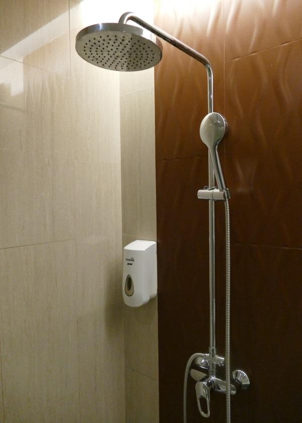 Dnataラウンジのシャワー