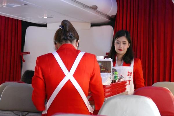 日本時間午前11時すぎにXJ601便の機内販売を開始