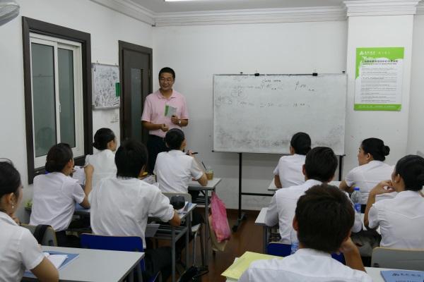 客室乗務員の英語の授業を取材