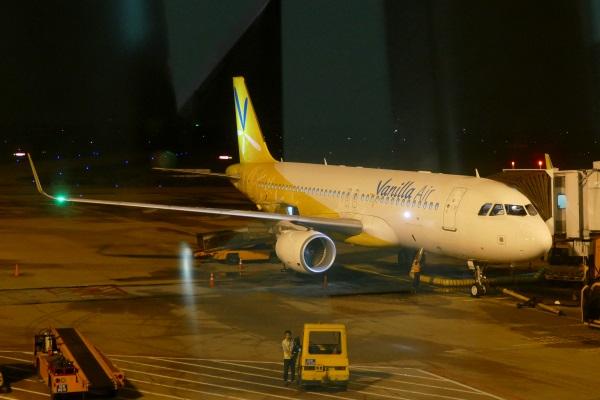 この日はバニラエアの9号機だった(エアバスA320-214型機「JA09VA」)