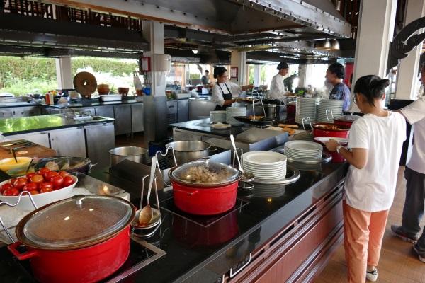 アナンタラ・バンコク・リバーサイド・リゾート&スパの朝食会場