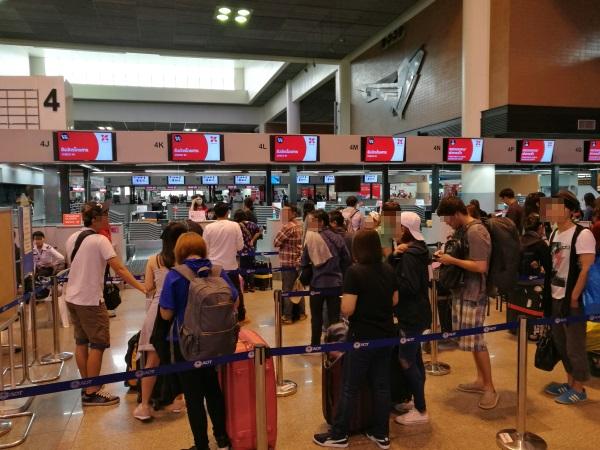 タイ・エアアジアXのチェックインカウンター(ドンムアン空港1タミ)