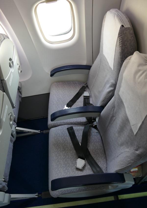 カンエアーATR72-500型機の座席