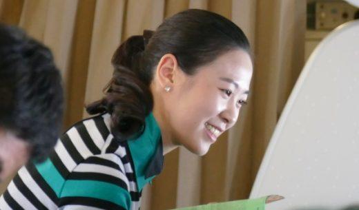 笑顔で接客するLCCエアソウルの客室乗務員