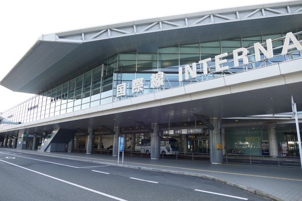 広島空港ターミナルビルの国際線入口