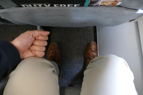 エアソウルの普通席の足元の空間