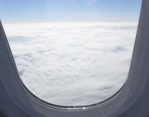 機体は雲の上へ