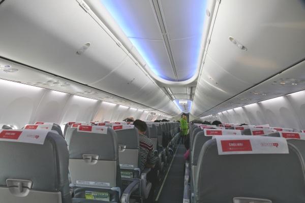 春秋航空日本のB737-800型機の機内