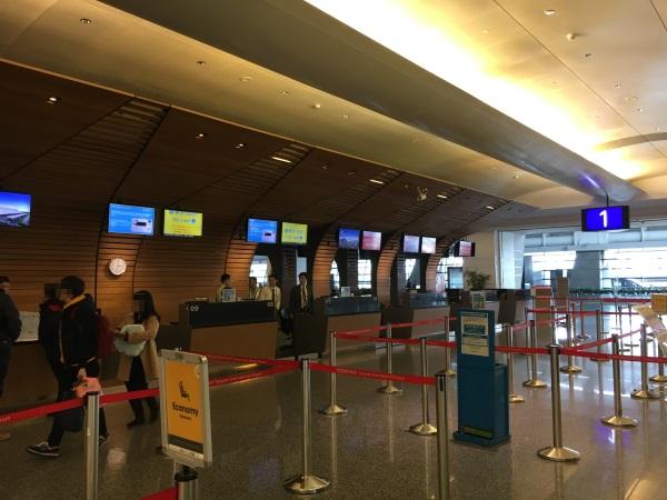 桃園空港のバニラエアのチェックインカウンター