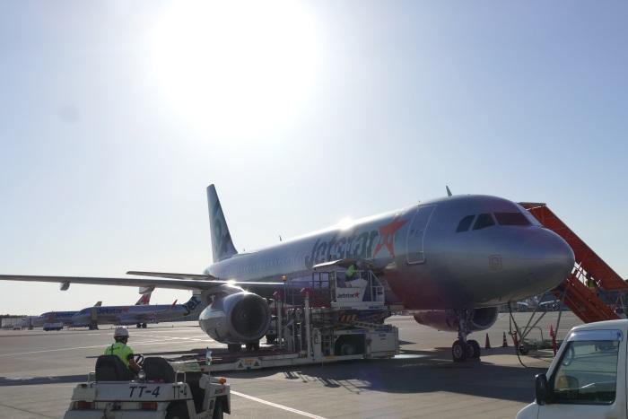 ジェットスター・ジャパンのGK36便の初便は日本時間午前6時2分に成田空港に着陸