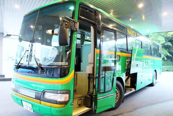 成田空港などからホテル行きのシャトルバスを運行