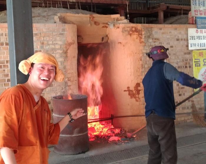 驚くほど汗が良く出る炭窯サウナ