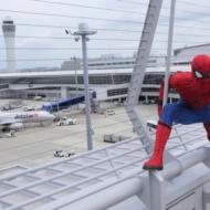 中部国際空港セントレアに登場した公式スパイダーマンとスパイダージェット