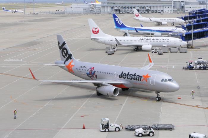 ジェットスター・ジャパンの特別塗装機「スパイダージェット」(エアバスA320型機・機体番号JA20JJ)