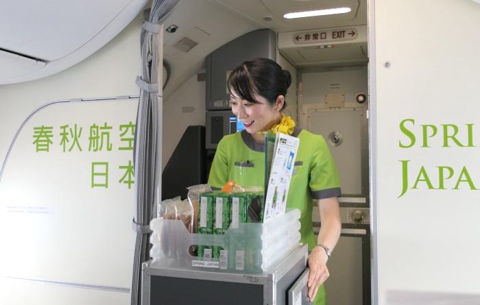 質の高い接客を行う春秋航空日本(Spring Japan)の客室乗務員