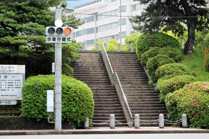 映画とそっくりの呉医療センター前の階段