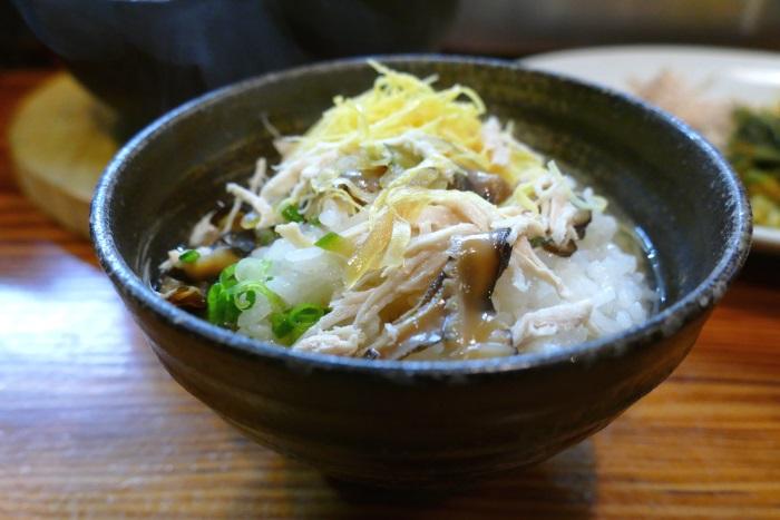 奄美大島の郷土料理「鶏飯」(奄美市「鳥しん」にて 2017年3月撮影)