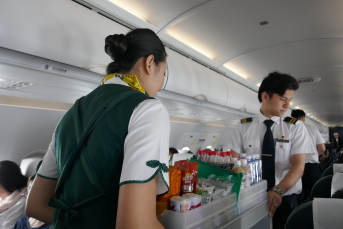安定飛行になり機内販売を開始