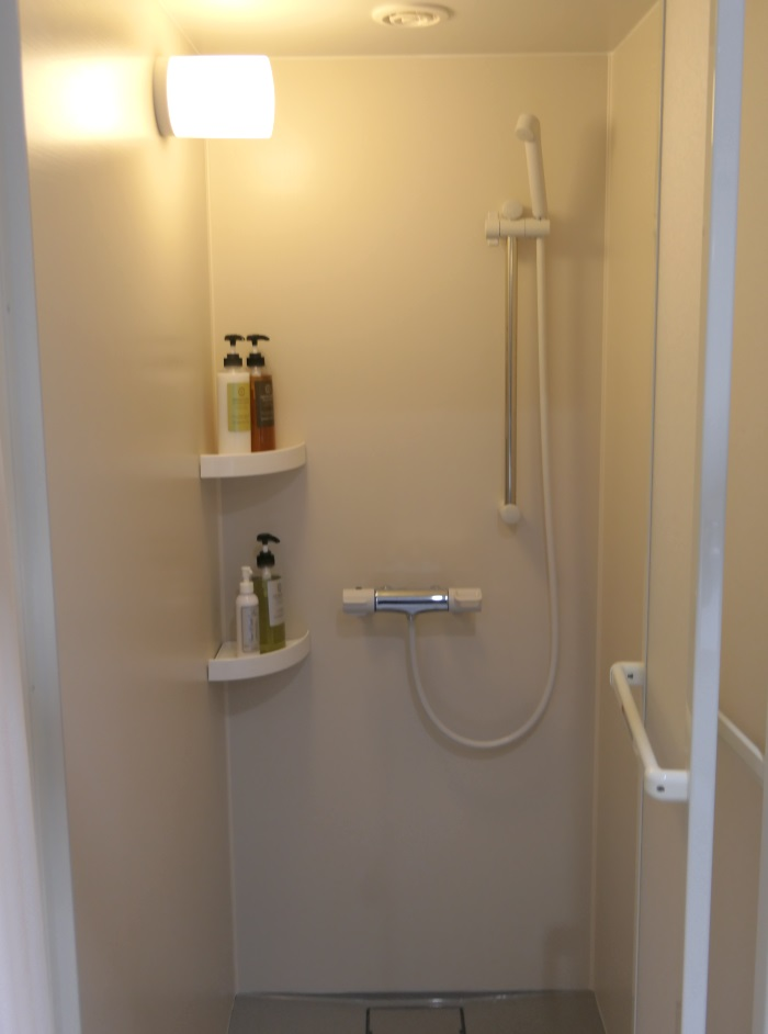 シャワールームの中