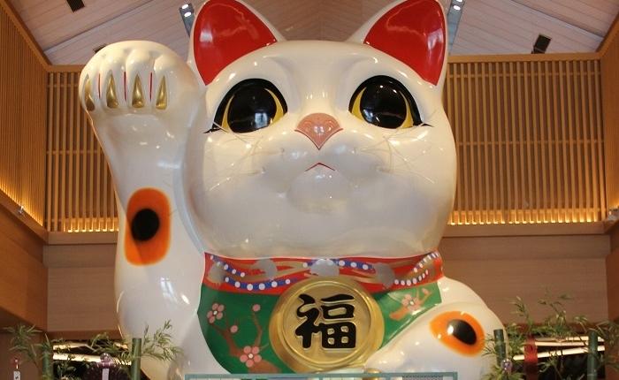 イオンモール常滑の招き猫