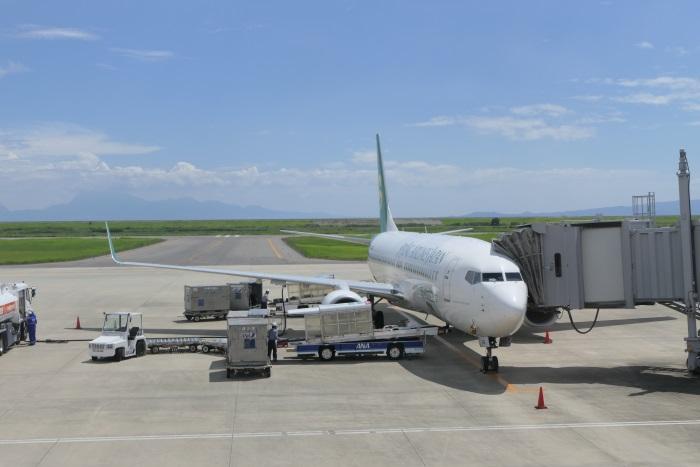 IJ701便が佐賀空港に到着