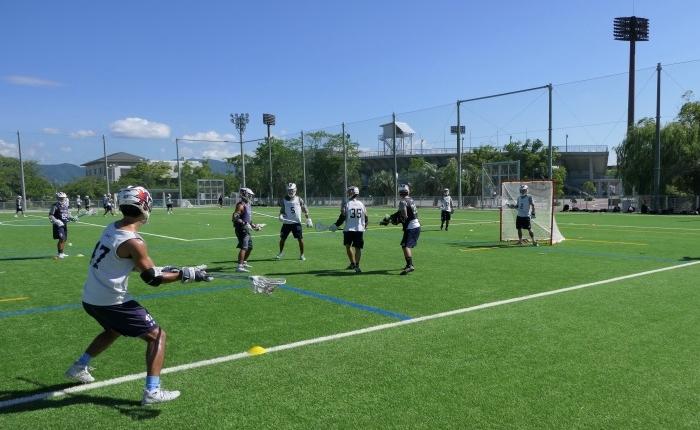 充実した施設を利用できる佐賀県でのスポーツ合宿を行った慶應義塾體育會ラクロス部男子