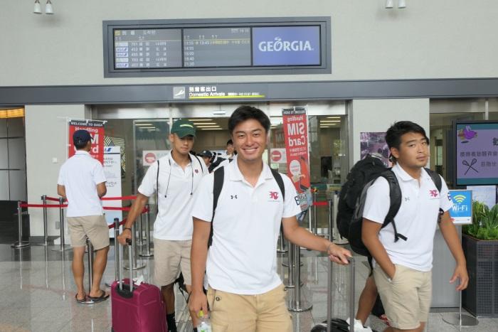 LCCを利用して慶應義塾體育會ラクロス部男子のみなさんが佐賀空港へ到着