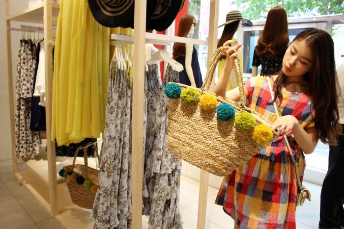 上海には日本未上陸のファッションブランドの店も(8 SECONDSにて)
