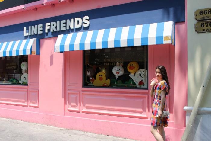 日本でもおなじみの「LINE FRIENDS STORE & CAFE」も