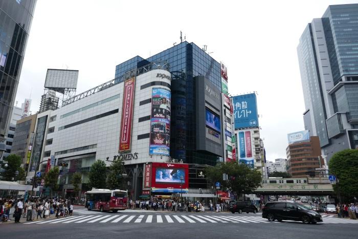 渋谷スクランブル交差点に面する「109MEN'S」が会場(2017年8月14日撮影)