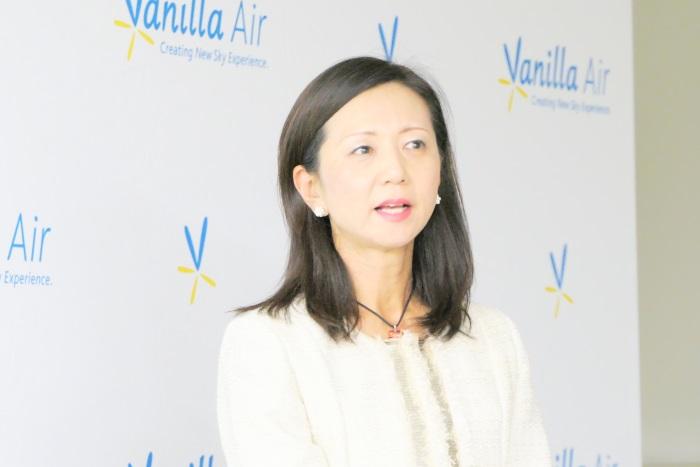 会見を行ったバニラエアの山室美緒子副社長