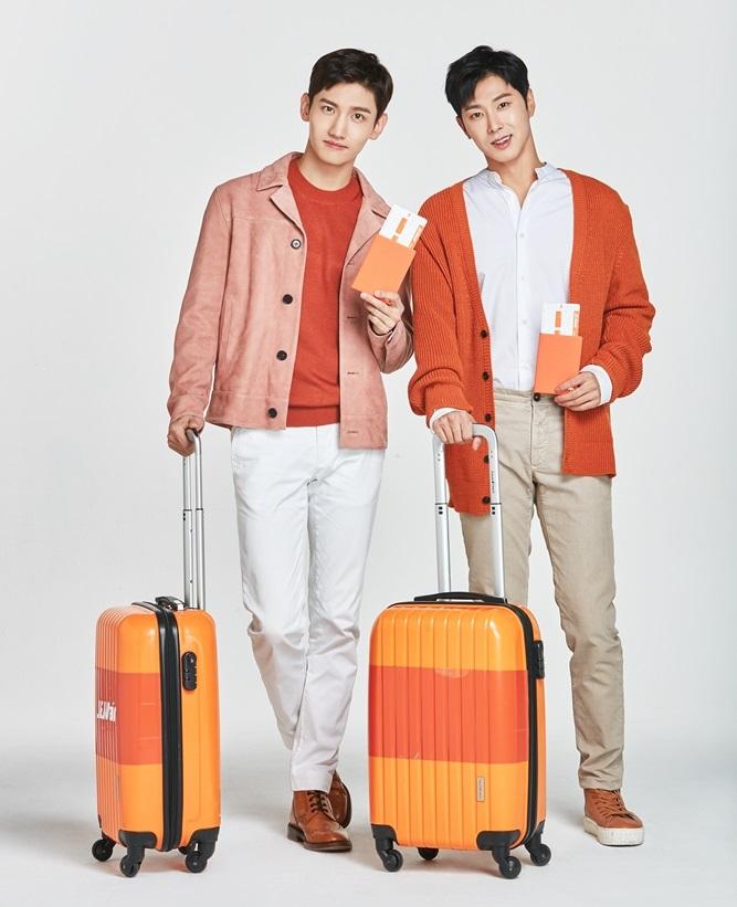 完全体の2人がいっぱいの関西空港のイベントへ(提供:チェジュ航空)