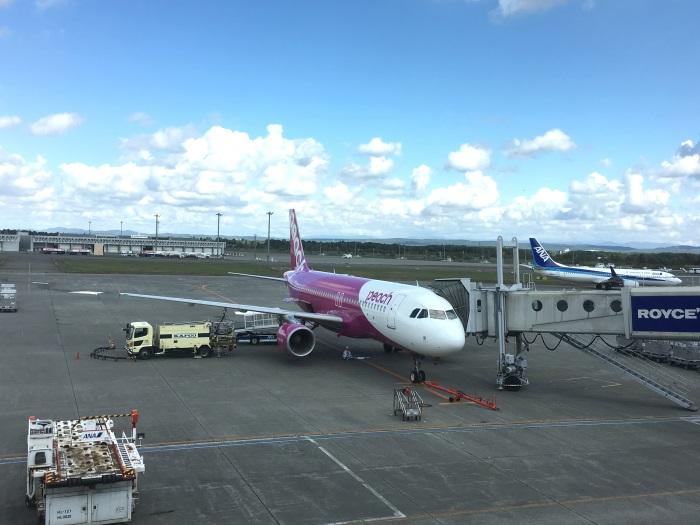 MM413便の初便は午前11時2分に新千歳空港に着陸 7分後に駐機場へ