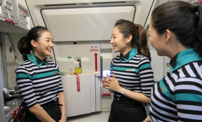 「アットホームな社風が魅力」と語るエアソウルの客室乗務員