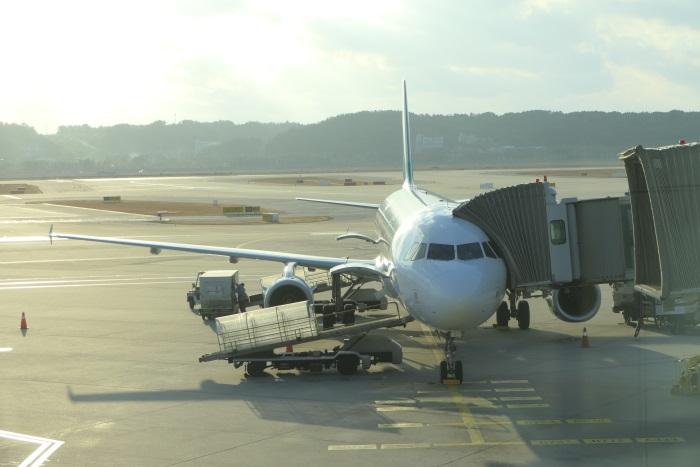 午後4時9分 RS751便の初便が仁川国際空港に着陸