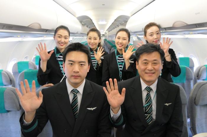 エアソウルRS751便の初便のクルー