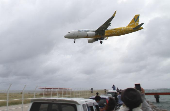 下地島空港ではバニラエアの離発着の訓練の様子を間近で見られる(10月13日・撮影:バニラエア)