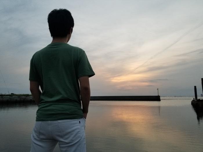 波が穏やかな日は海面が鏡のように