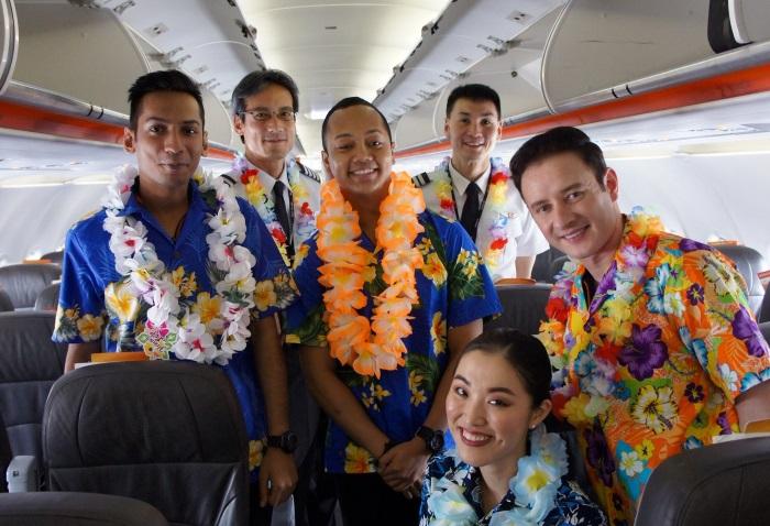 3K792便の初便のクルーのみなさん
