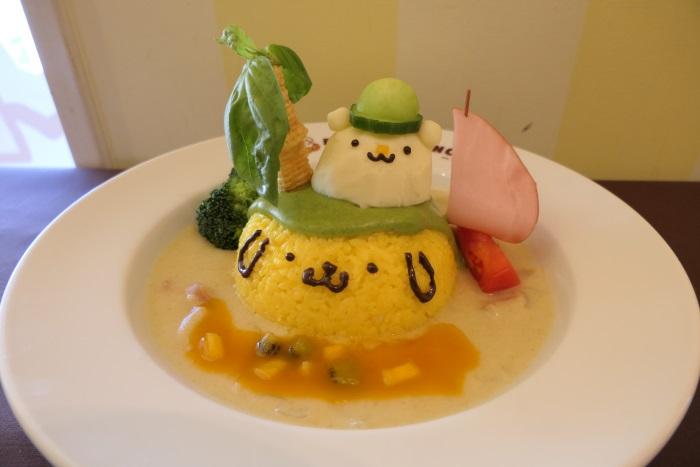 「奄美Oh!ポムポムプリン島 トロピカルカレー」 (税抜1,390円)