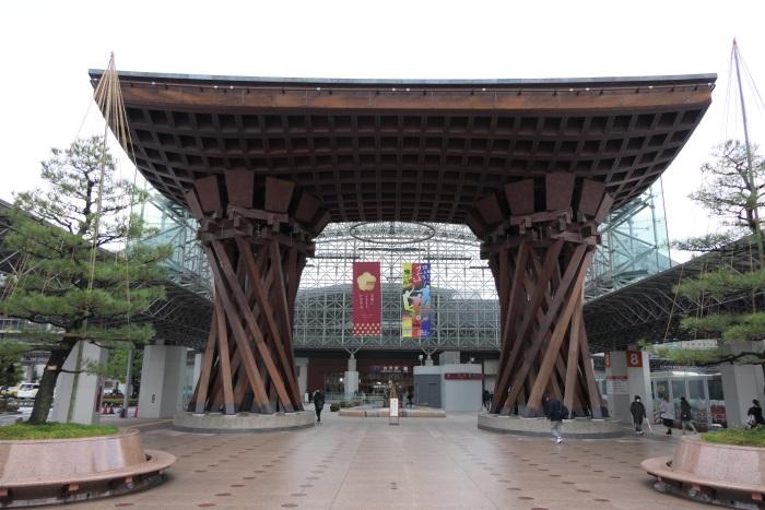 北陸新幹線開通で生まれ変わった金沢駅